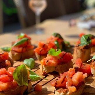 Bourgondische eten van een plank