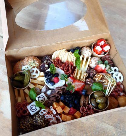 Borrelbox to go bij de catering van Enschede